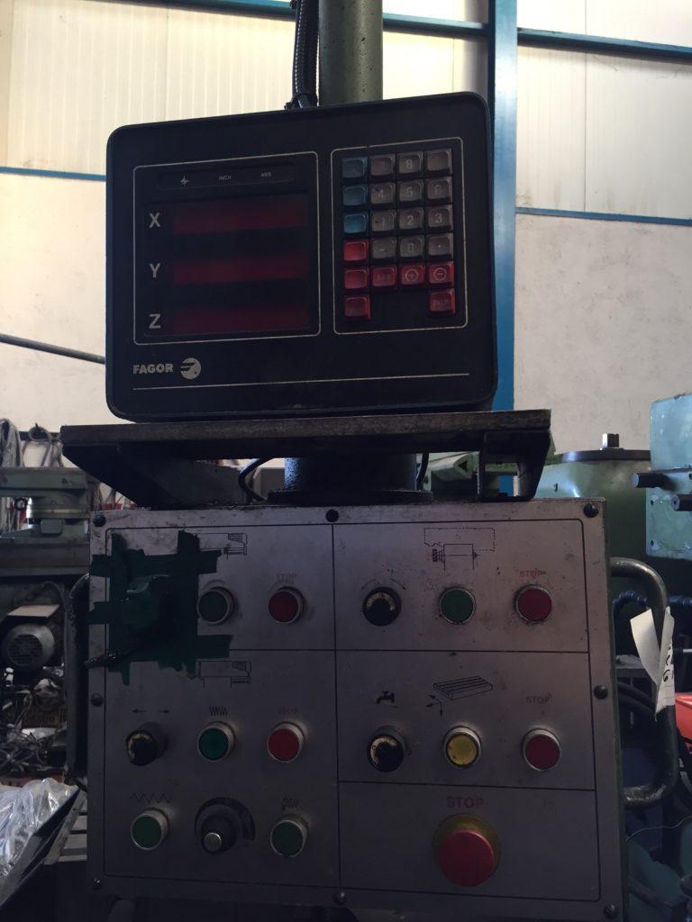 Fresadora Fexac de 2000mm con visualizadores