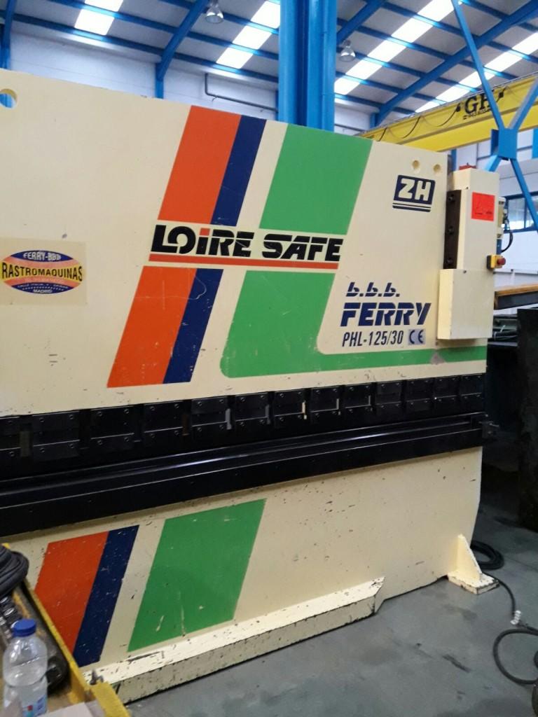 Plegadora hidráulica Loire PHL 125-30 de 3000x125t con tope trasero manual (2)